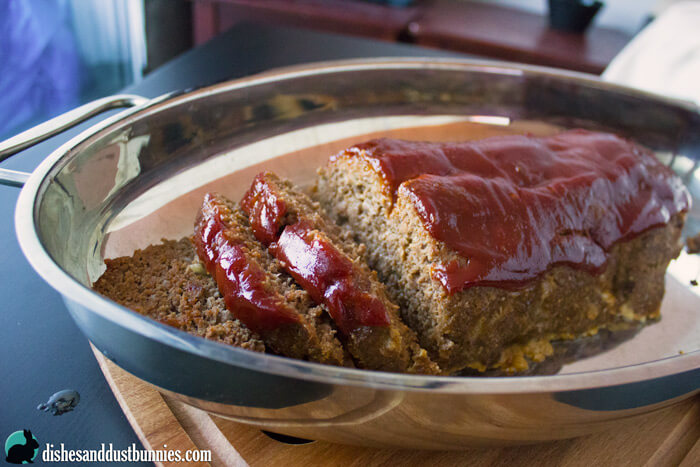 Classic Meatloaf Recipe from dishesanddustbunnies.com