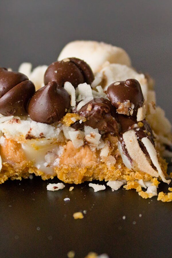 7 Layer Magic Bars – #BakeOn this Holiday Season with this Easy & Delicious Treat!