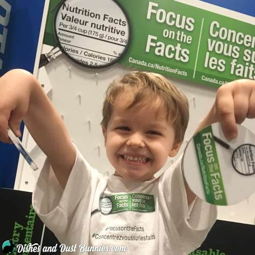 How to Teach Your Kids to Make Informed Food Choices + Enter to win a $100 Grocery Gift Card!  #FocusOnTheFacts #ad