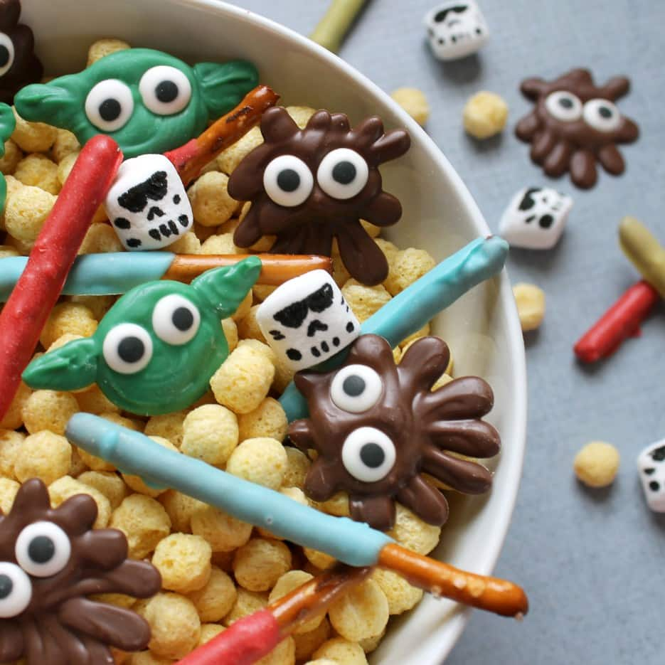 Star Wars Snack Mix from The Decorated Cookie