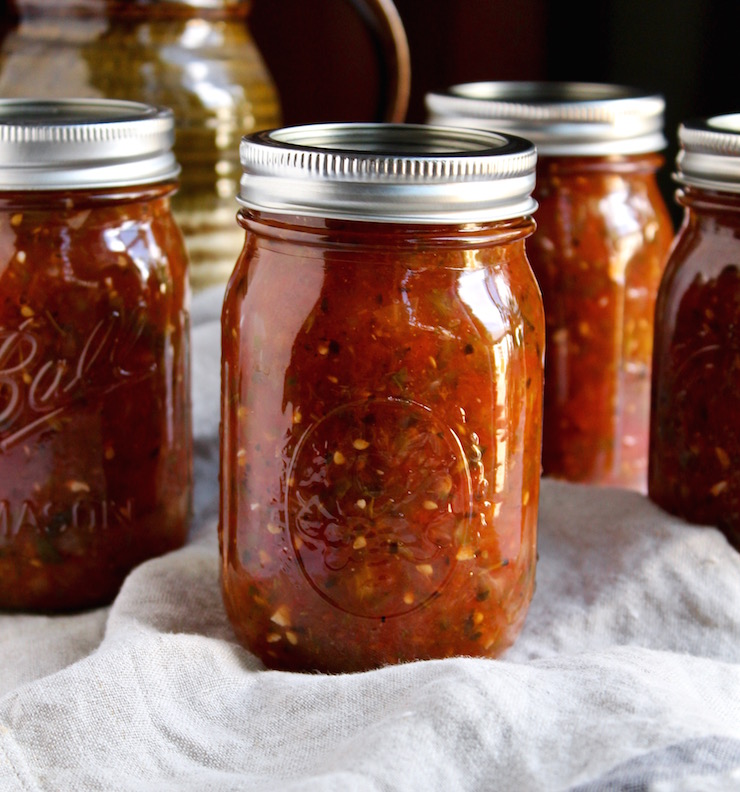 Fire Roasted Salsa (Canning Recipe) from The Hungry Bluebird